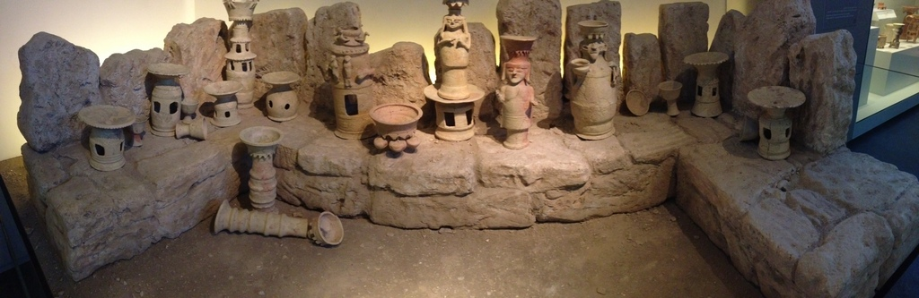 Israel Museum cultic high place figurines