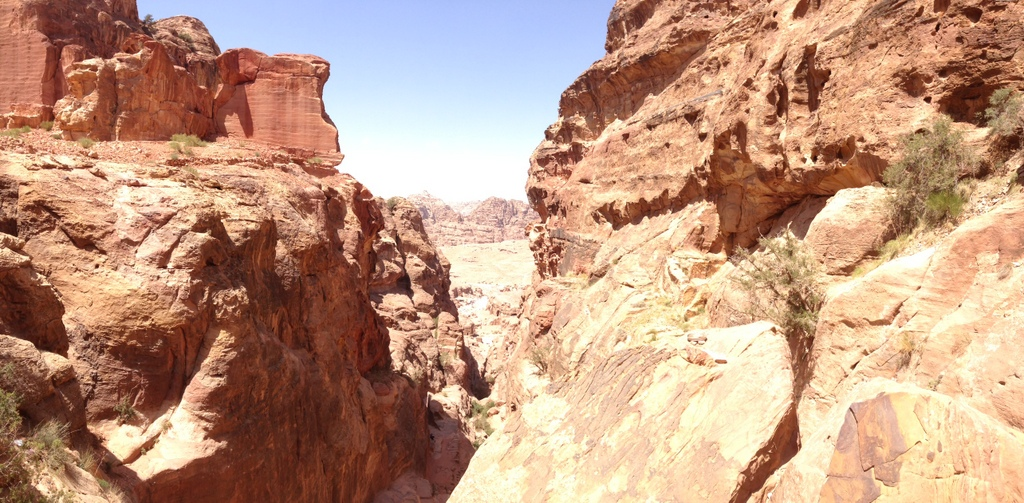 Jordan - Petra - walk to High Place