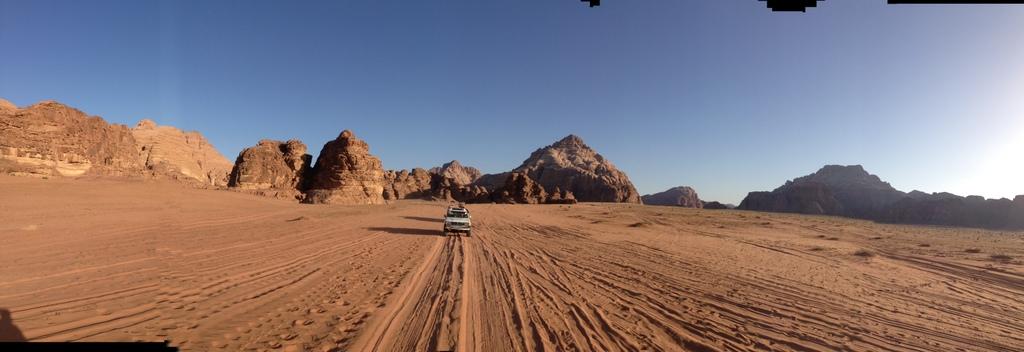 Wadi Rum jeep B