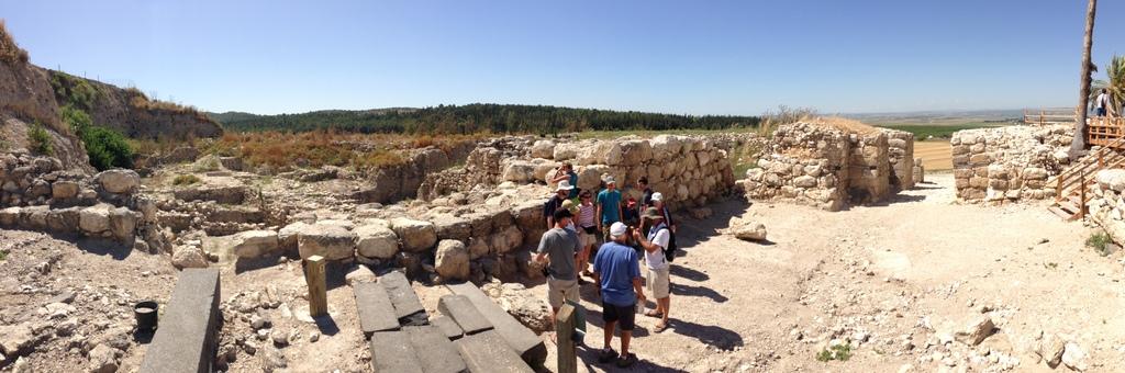 Megiddo - Gate structure