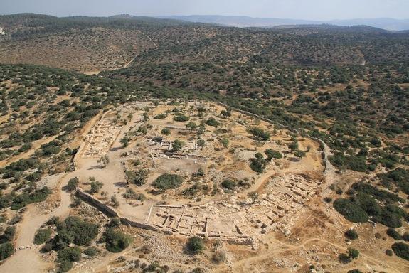 Khirbet Qeiyafa: An Israelite Fortress in the Elah Valley