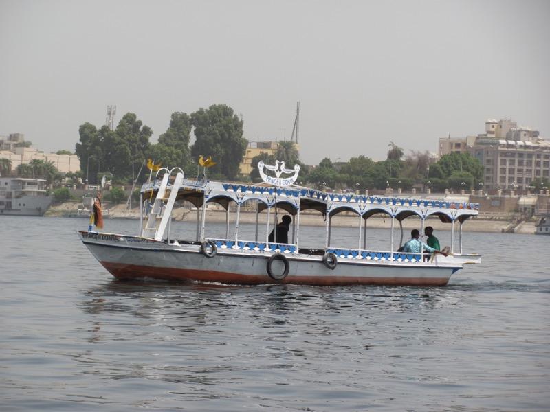 faluka boat ride luxor egypt