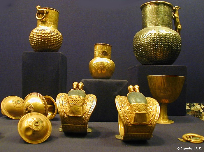 tut golden treasures