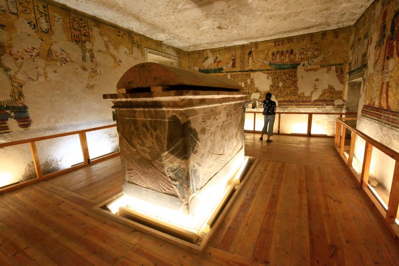 Valley Kings tombs thutmose iii