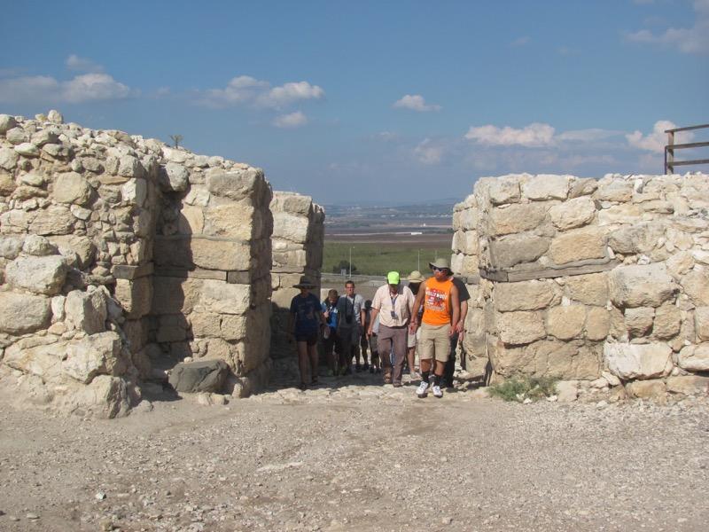 megiddo canaanite gate