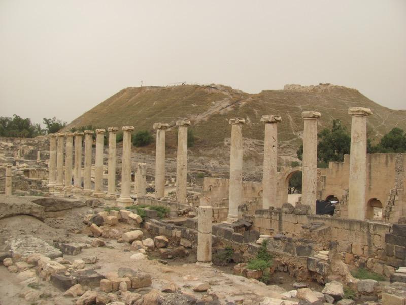 beth shean pillars