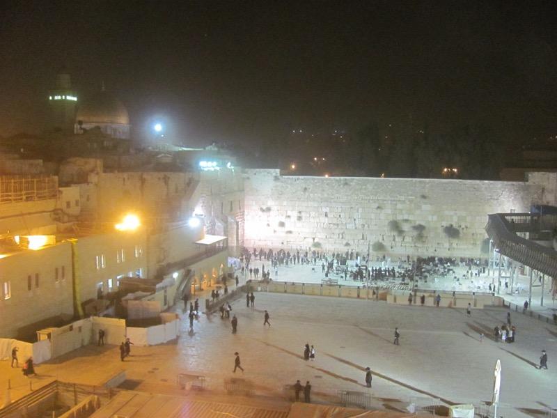 jerusalem western wall at night