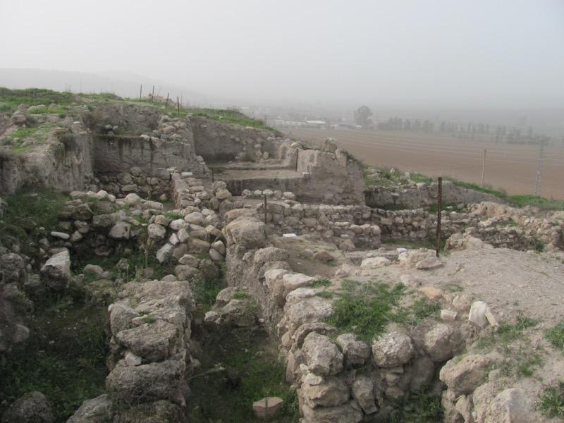 beth shemesh israelite walls