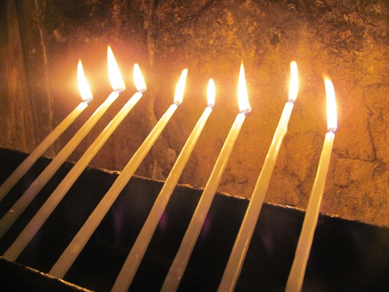 candles at holy sepulcher church