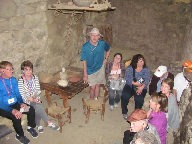 inside house of rabbi abun katzrin