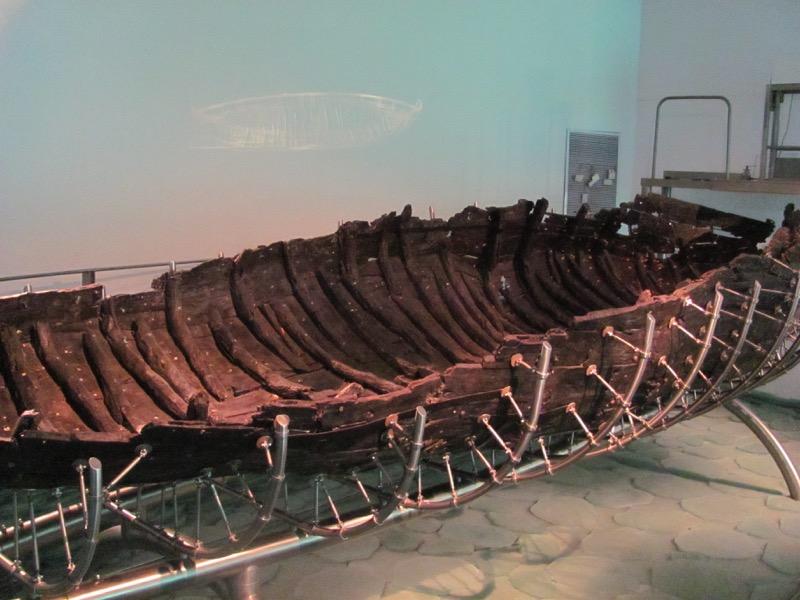 ancient boat nof ginnosar