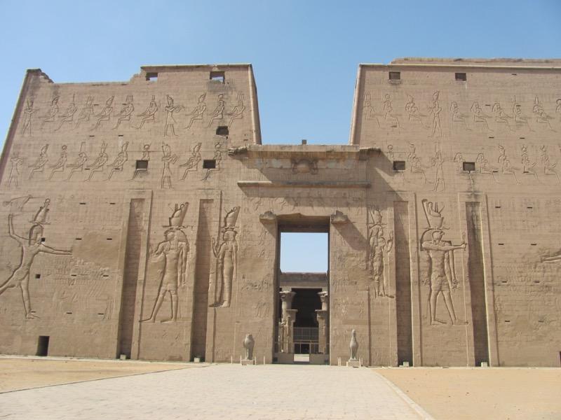 nile river ancient temple egypt nile cruise
