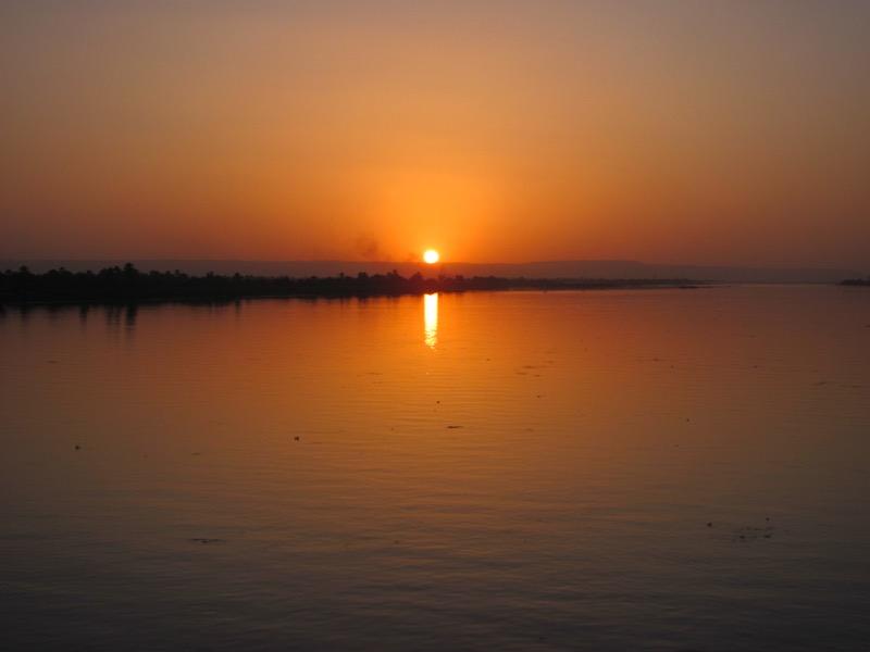 nile cruise sunset