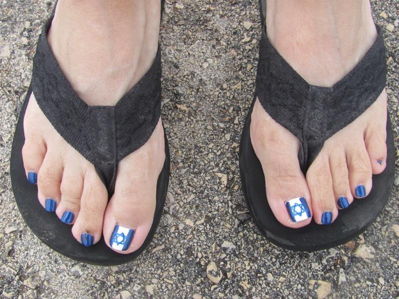 painted toes israel