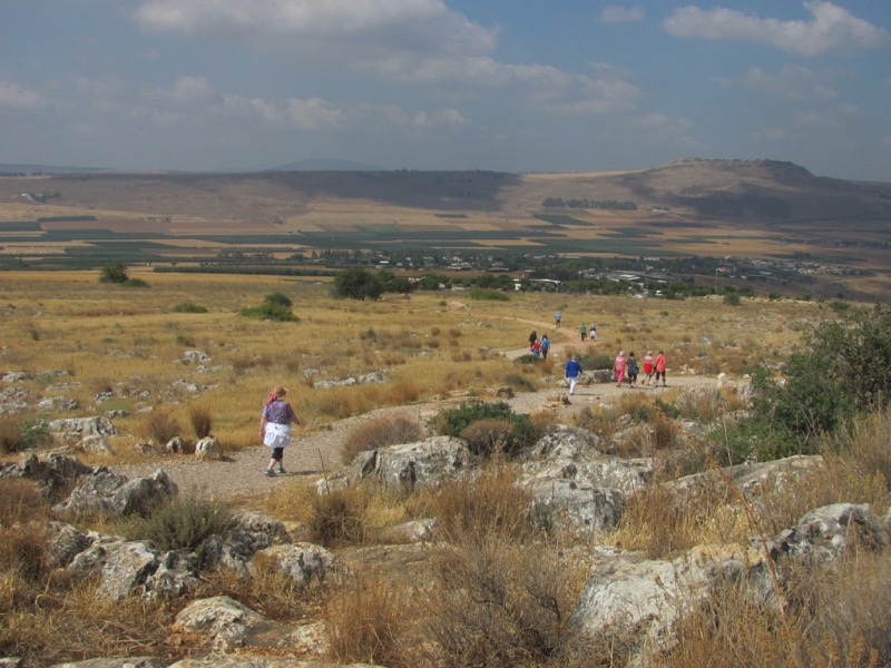 walking up mt arbel israel