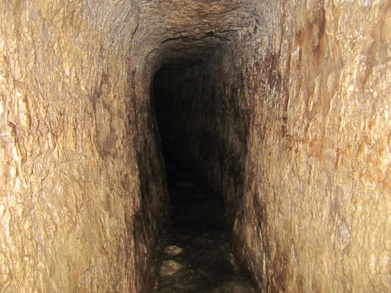 hezekiah's tunnel city of david jerusalem