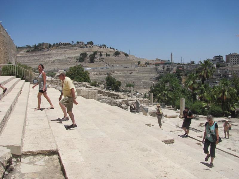walking up temple steps jerusalem