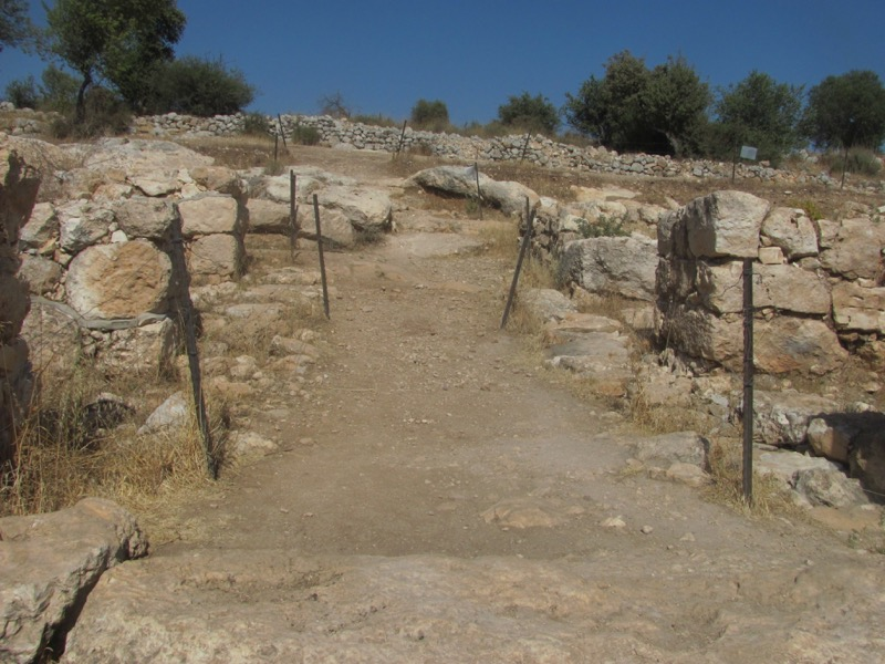 qeiyafa israelite gate