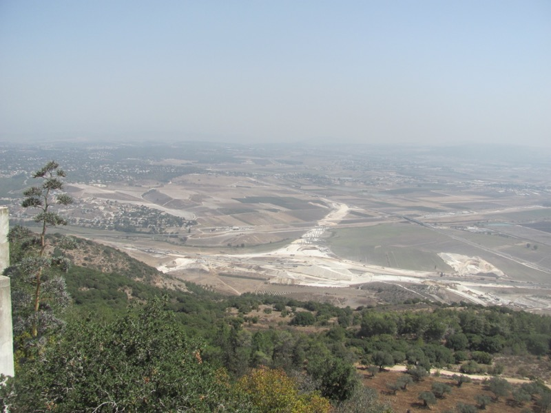 view of jezeeel valley from carmel