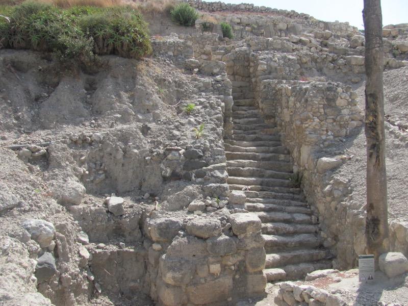 middle bronze gate megiddo