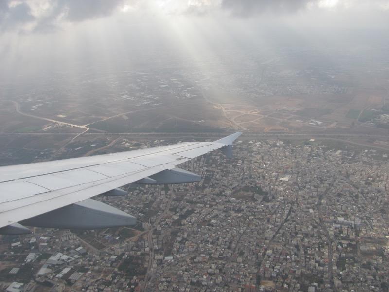 landing in tel aviv israel