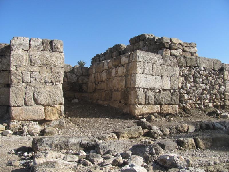 megiddo solomon gate