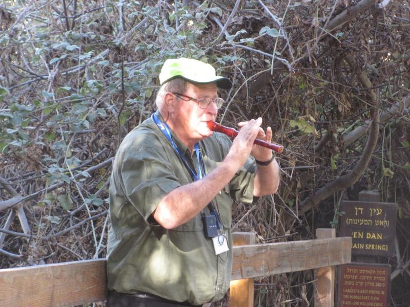 flute playing dan israel