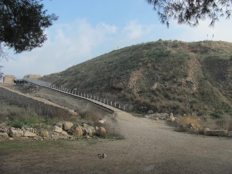 Lachish gate January 2017 israel tour
