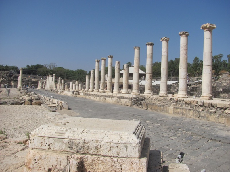 Beth Shean roman street April 2017 Israel Tour